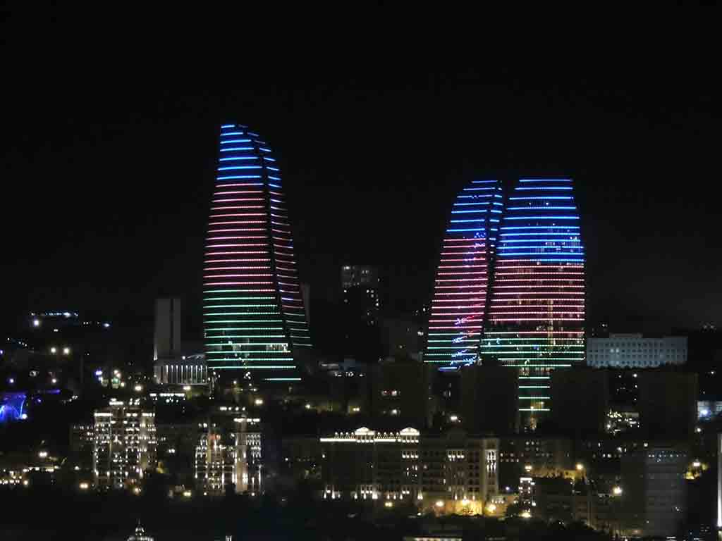 470 - Le Flame Towers di Baku