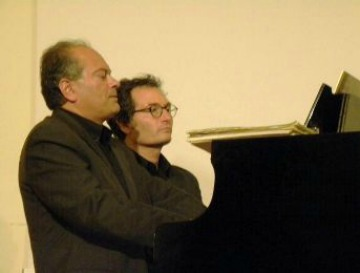 De Vero Campisi piano duet on tour