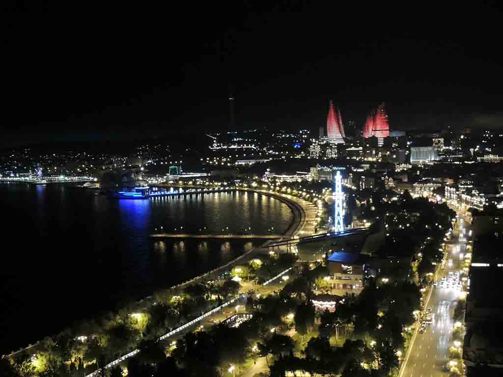 469 - Baku by night