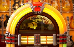 Easypop brings an all-Italian live jukebox to Kenya